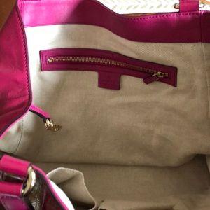 Gucci fuscia logo bag